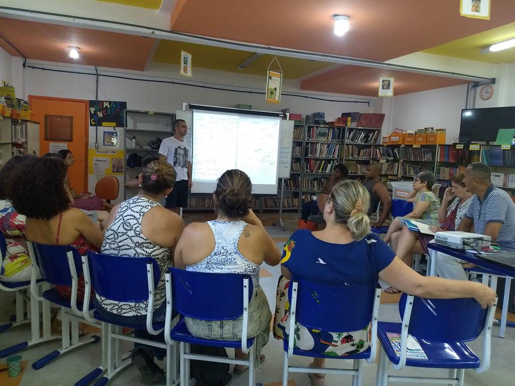 Professores, educadores e colaboradores participam da capacitação para implementar o Projeto Revoar