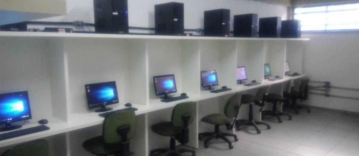 Parceria do IC reestrutura salas de informática e cria centros de mídia em escolas próximas às lojas Vivaz